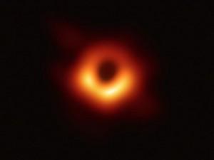cover-r4x3w1000-5cadebdd93968-trou-noir-galaxie